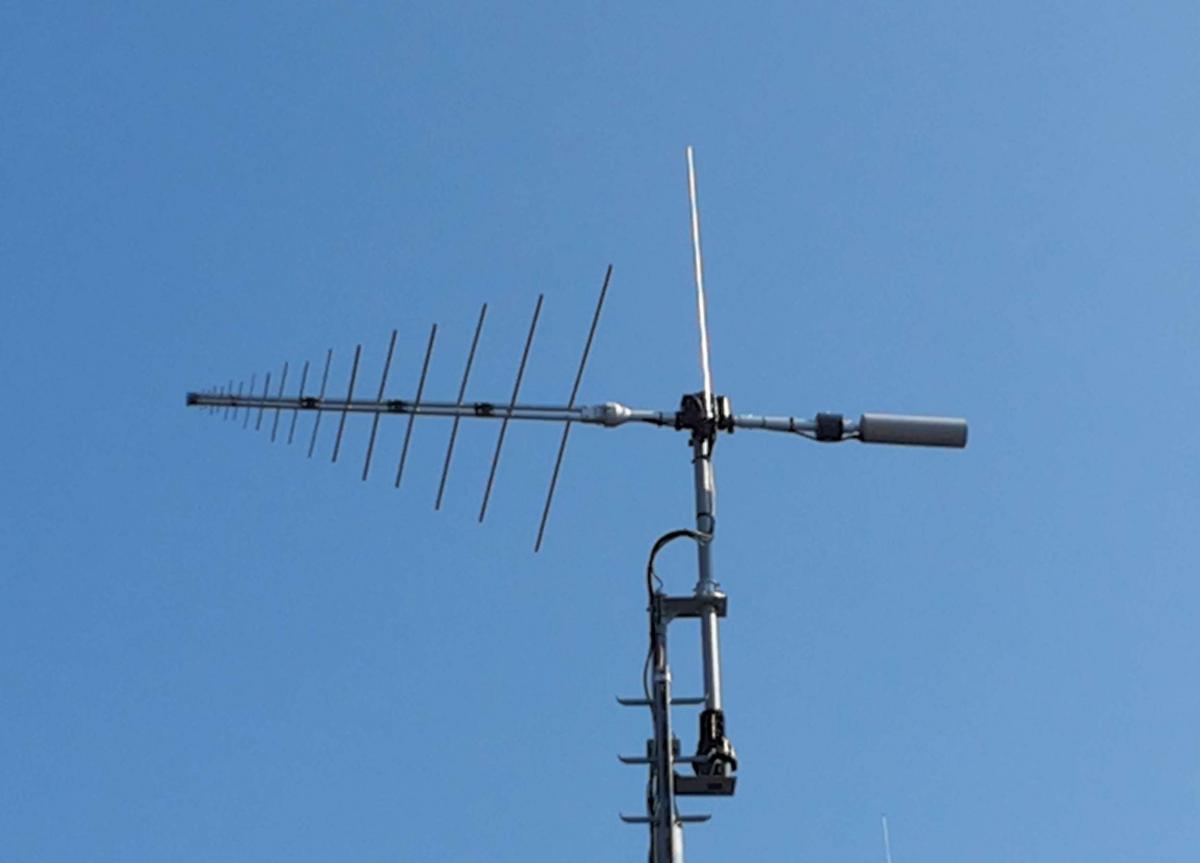 AD-22/C VHF/UHF Log-periodic Antenna