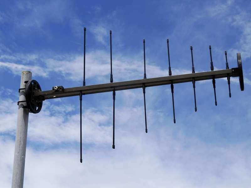 Antenna AD-22/B-F Log-periodic